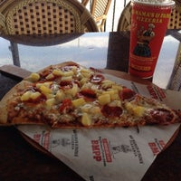 Photo taken at Big Mama's and Papa's Pizzeria by Israel on 3/3/2014