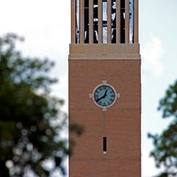 Foto tomada en Albritton Bell Tower  por Texas A&M University el 4/22/2013