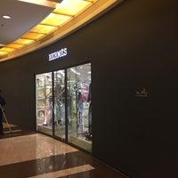 Photo taken at Hermès by Vaji N. on 3/13/2018