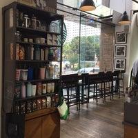 9/7/2017 tarihinde Vaji N.ziyaretçi tarafından Starbucks'de çekilen fotoğraf