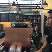 8/1/2017 tarihinde Vaji N.ziyaretçi tarafından Starbucks'de çekilen fotoğraf