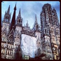 Photo prise au Cathédrale Notre-Dame de Rouen par Alban L. le10/14/2012