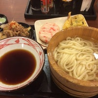 Photo taken at 丸亀製麺 熊本佐土原店 by Takaya N. on 8/20/2014