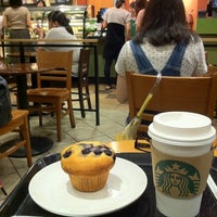 Photo taken at Starbucks by yacchiii n. on 9/18/2012