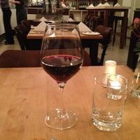 Das Foto wurde bei Sorgenfrei Wein und Speisen von David G. am 10/27/2012 aufgenommen
