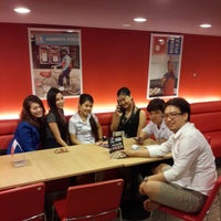 Foto scattata a Domino's Pizza da Apirat T. il 9/30/2014