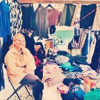 Das Foto wurde bei Nowkoelln Flowmarkt von Conni B. am 9/21/2014 aufgenommen
