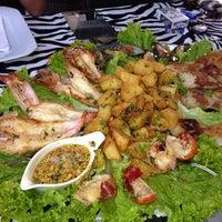 Photo taken at Restaurante Ilha Sul by Renato S. on 10/11/2013