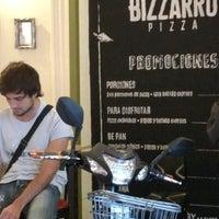 Foto scattata a Bizzarro Pizza da J. Pablo V. il 5/7/2017