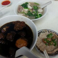 Photo taken at Cheng Mun Chee Kee Pig Organ Soup by y h. on 12/4/2014