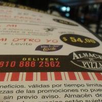 Foto tomada en Almacén de Pizzas por Sebastian A. el 6/15/2013