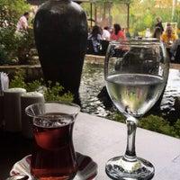 Foto tirada no(a) Hilmi Beken Restaurant por Merve D. em 9/30/2018