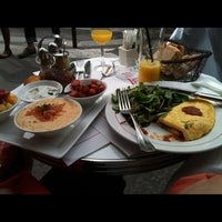 Photo taken at Café Charlot by Doron W. on 9/23/2012