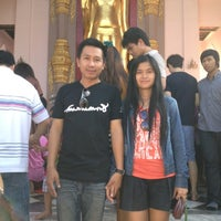 Photo taken at งานพระปฐมเจดีย์ by เบญญาภา แ. on 11/25/2012