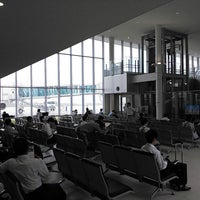 Photo prise au Iwakuni kintaikyo Airport (IWK) par タンク ト. le6/20/2013