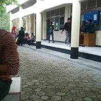 Photo taken at Universitas Lancang Kuning by Elna Gumiho M. on 2/25/2013