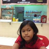 Photo taken at Pondok Pecel Muantabbb by Arief S. on 7/7/2013