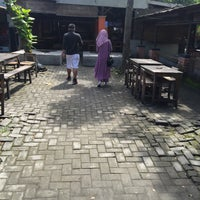 Photo taken at Warung Kopi Blandongan by Moe J. on 11/27/2016