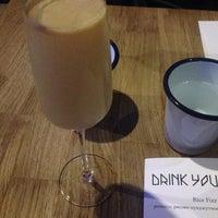 Снимок сделан в Drink Your Seoul пользователем Alex Z. 7/11/2014
