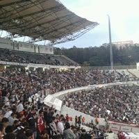 Photo taken at Beşiktaş İnönü Stadyumu Yeni Açık by Gunay C. on 10/21/2012