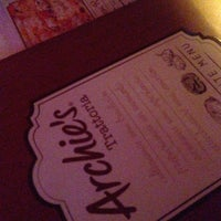Photo prise au Archie`s par Liz F. le12/22/2012
