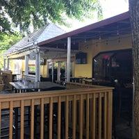 Foto tomada en Stillwater Grille por Ricky P. el 8/5/2017