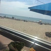Photo taken at Shoreline Beach Cafe by Christina S. on 9/3/2017