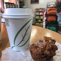 Photo taken at Naturally Good Foods & Cafe by Tammy G. on 5/3/2017