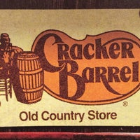 Photo taken at Cracker Barrel Old Country Store by Lubey D. on 10/13/2013