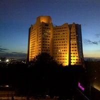 Das Foto wurde bei Mercure Hotel Martiniplaza von Hans V. am 9/26/2012 aufgenommen