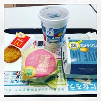 Photo taken at マクドナルド 焼津店 by yoon y. on 4/16/2016