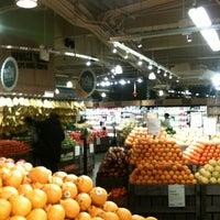 Foto tomada en Whole Foods Market por insun k. el 3/1/2013