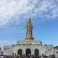 Photo taken at 南海观音 Nanhai Avalokitesvara Bodhisattva by James H. on 10/24/2016