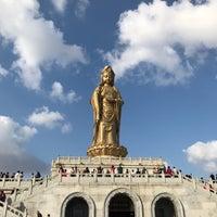 Photo taken at 南海观音 Nanhai Avalokitesvara Bodhisattva by James H. on 10/24/2017