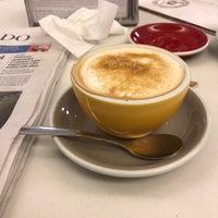 8/31/2018 tarihinde Enrique R.ziyaretçi tarafından Cafés El Criollo'de çekilen fotoğraf