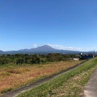 Photo taken at 日野川 河川敷 by Daiki on 10/31/2017