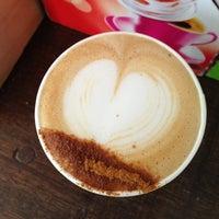 Foto tomada en OR Espresso Bar por Olivier D. el 7/7/2013
