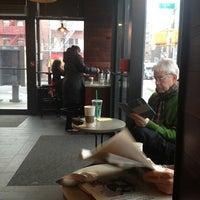 Foto tomada en Starbucks por David E. el 1/30/2013