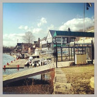 Foto scattata a Boathouse Row da Sherry K. il 2/15/2013