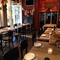 Das Foto wurde bei MIURA Tapas-Bar & Restaurant von Sandra J. am 7/3/2014 aufgenommen