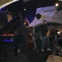 Foto scattata a Alexanderplatz Jazz Club da Jarett L. il 11/1/2016