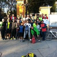 Photo taken at ROCK&ROLLERS MTB QUERETARO Centro De Operaciones by Vic A. on 2/27/2014