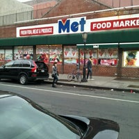 Photo taken at Met Foodmarkets by Brad R. on 10/28/2012