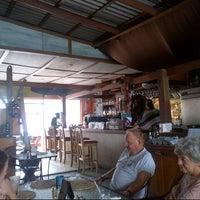 Photo prise au Surfers Cafe par Byren I. le12/9/2012