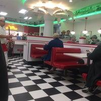 11/15/2017 tarihinde Ashley P.ziyaretçi tarafından In-N-Out Burger'de çekilen fotoğraf