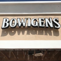 Photo taken at Bowigens Beer Company by J_Stoz on 4/28/2017