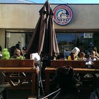 รูปภาพถ่ายที่ Swell Coffee Co. โดย Hani D. เมื่อ 12/22/2013