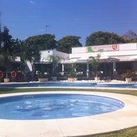 Foto tomada en Club de Padel Los Naranjos por Silvia R. el 6/14/2014