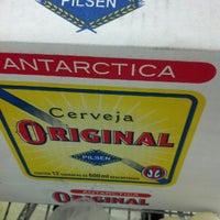 Foto tirada no(a) Extra Hipermercado por Renato T. em 9/28/2012