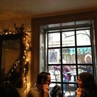 Foto tomada en Irving Farm Coffee Roasters por Diane C. el 12/24/2012